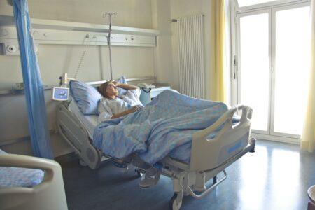 Choisir son lit médicalisé