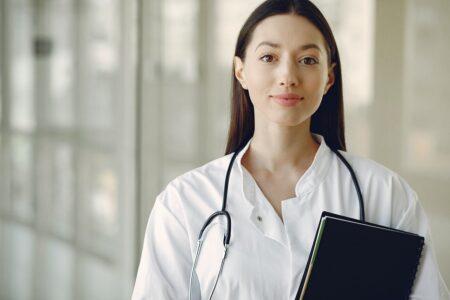 Rendez-vous rapide avec une infirmière à nice
