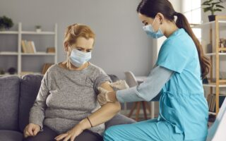 Lancement de la vaccination Covid à domicile